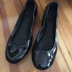 Tory Burch Shoes - 🌿SALE🌿New Tory Burch Eddie Patent Leather Flats